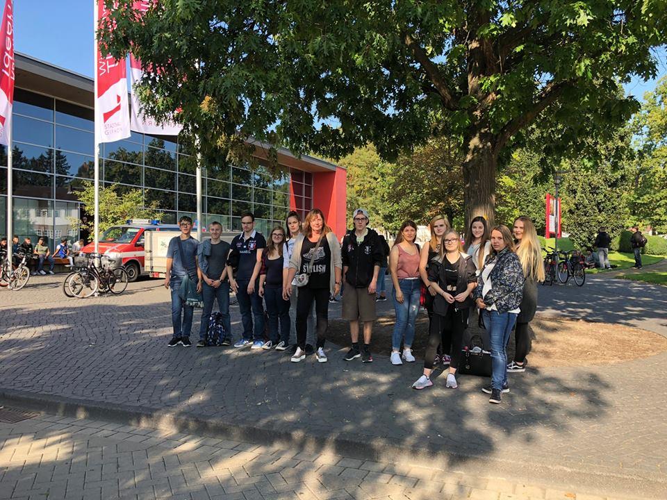 Berufseinstiegsklasse Besucht Ausbildungsplatzbörse In Gifhorn